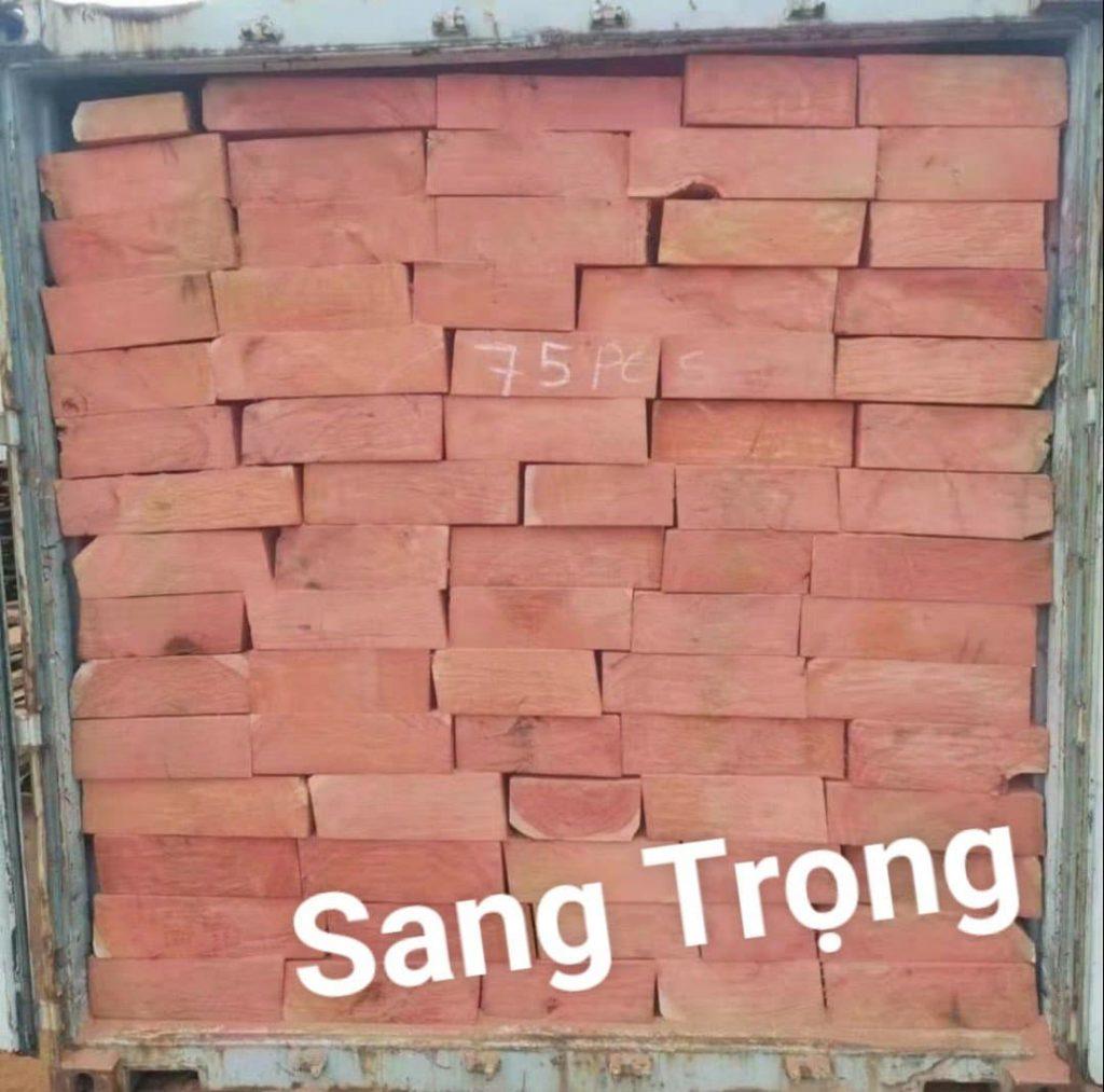 giá gỗ hương đá nam phi