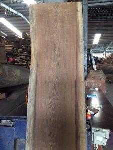 gỗ mun đuôi công có tốt không